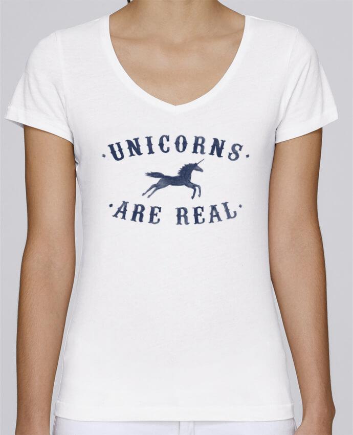 Camiseta Mujer Cuello en V Stella Chooses Unicorns are real por Florent Bodart
