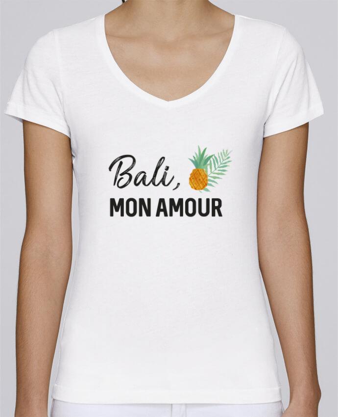 Camiseta Mujer Cuello en V Stella Chooses Bali, mon amour por IDÉ'IN