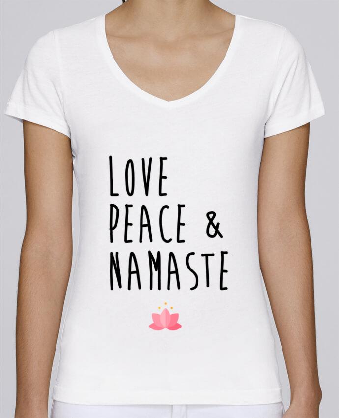 Camiseta Mujer Cuello en V Stella Chooses Love, Peace & Namaste por tunetoo