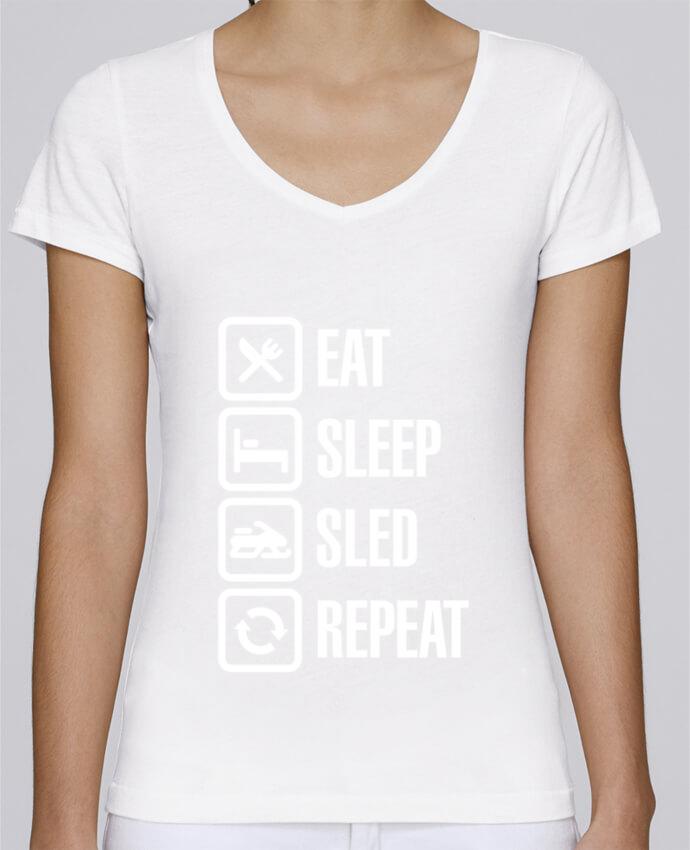 Camiseta Mujer Cuello en V Stella Chooses Eat, sleep, sled, repeat por LaundryFactory