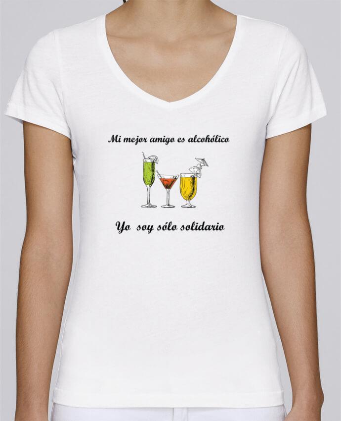 Camiseta Mujer Cuello en V Stella Chooses Mi mejor amigo es alcohólico, yo soy sólo solidario por tunetoo