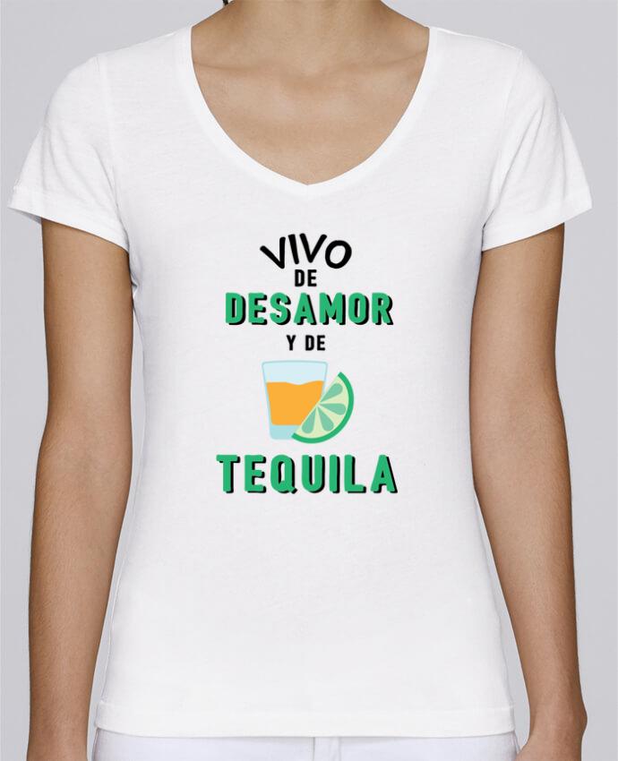 Camiseta Mujer Cuello en V Stella Chooses Vivo de desamor y de tequila por tunetoo