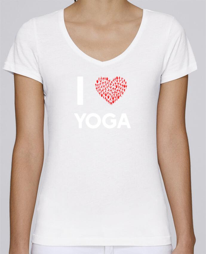 Camiseta Mujer Cuello en V Stella Chooses I Love Yoga por Original t-shirt
