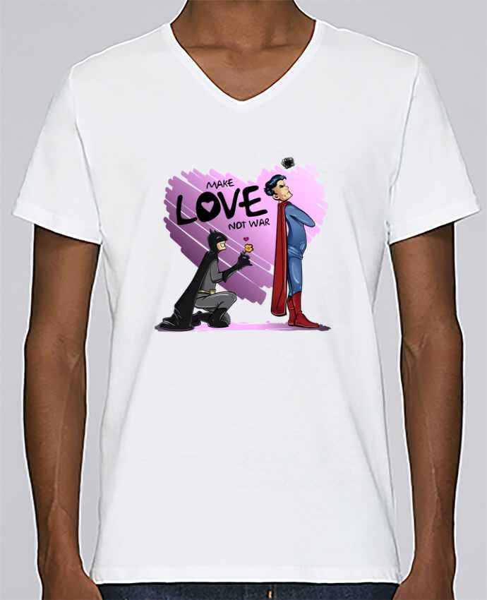 Camiseta Hombre Cuello en V Stanley Relaxes MAKE LOVE NOT WAR (BATMAN VS SUPERMAN) por teeshirt-design.com