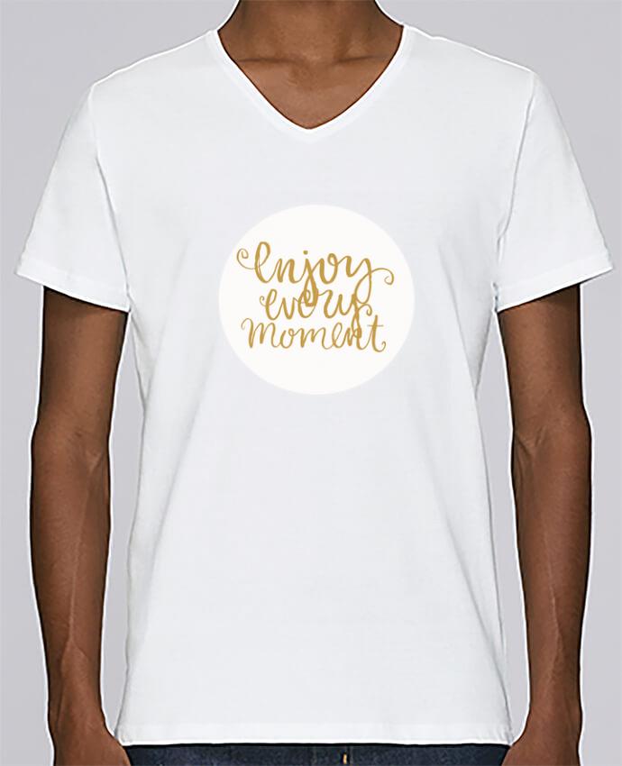 Camiseta Hombre Cuello en V Stanley Relaxes Enjoy every moment por Les Caprices de Filles