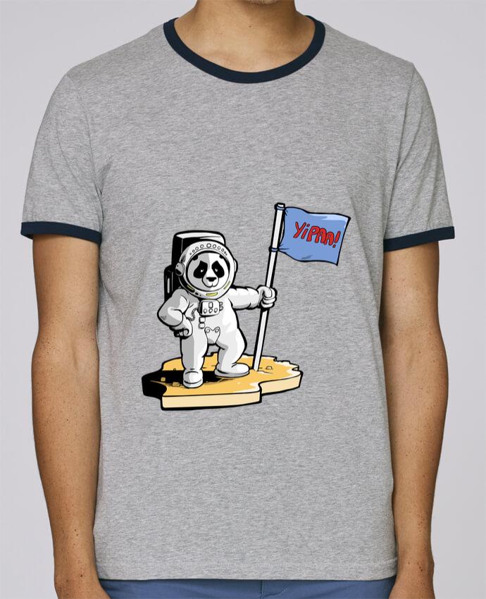 Camiseta Bordes Contrastados Hombre Stanley Holds Panda-cosmonaute pour femme por Tomi Ax - tomiax.fr