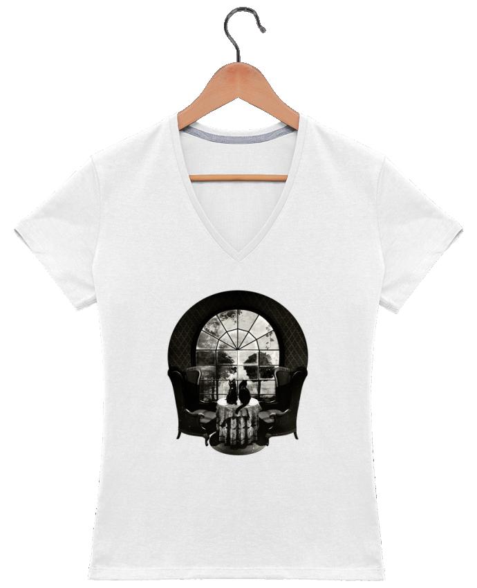 Camiseta Mujer Cuello en V Room skull por ali_gulec