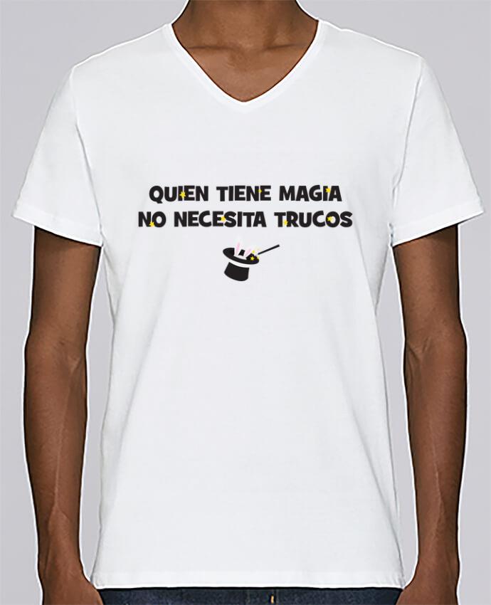 Camiseta Hombre Cuello en V Stanley Relaxes Quien tiene magia no necesita trucos por tunetoo