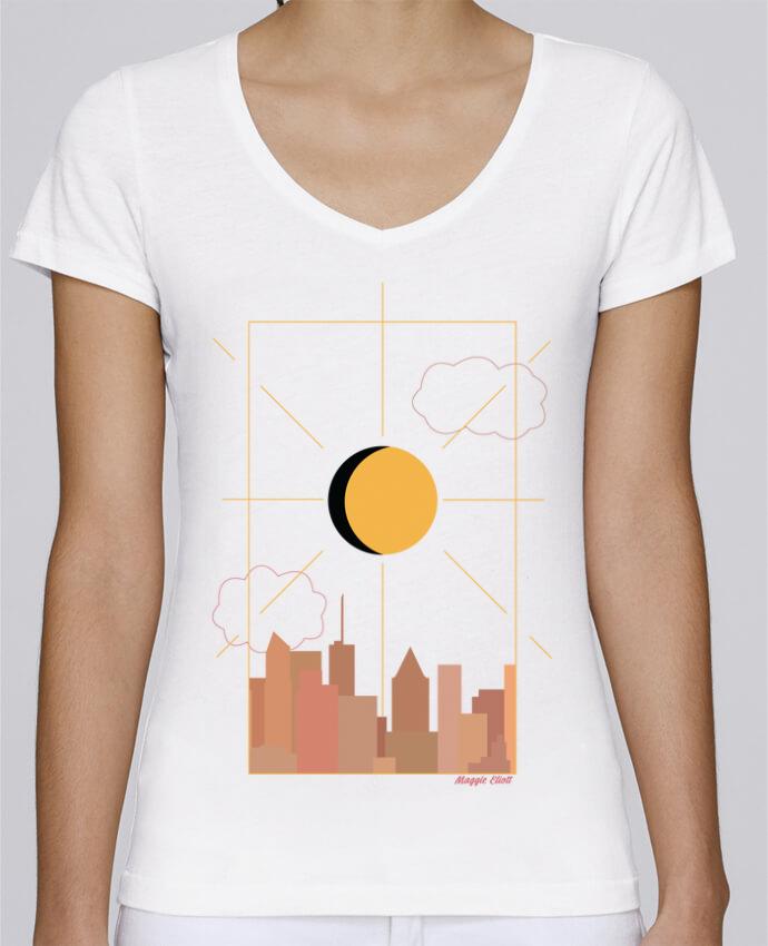 Camiseta Mujer Cuello en V Stella Chooses Ville abstraite por Maggie E.