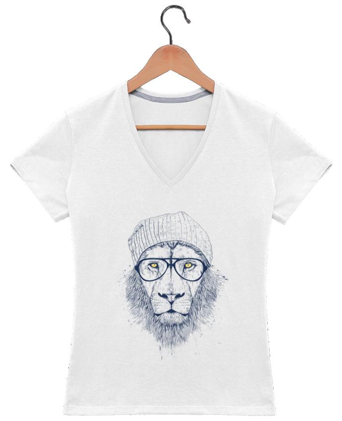 Camiseta Mujer Cuello en V Cool Lion por Balàzs Solti
