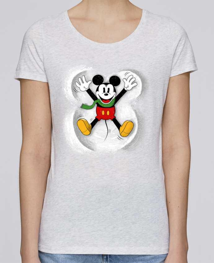 Camiseta Mujer Stellla Loves Mickey in snow por Florent Bodart