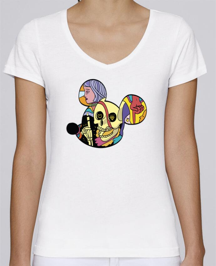 Camiseta Mujer Cuello en V Stella Chooses wonderland por Arya Mularama